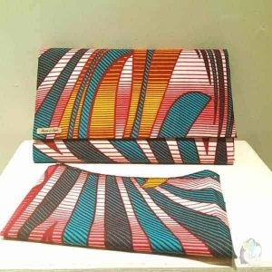 Matching Clutch Bag And Doek