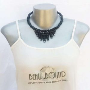 beaded necklace black